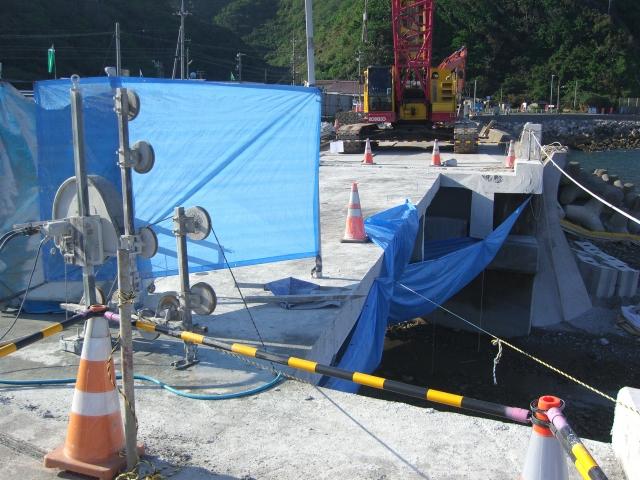2012年度沖縄(西平橋橋梁撤去ワイヤーソー切断工事)